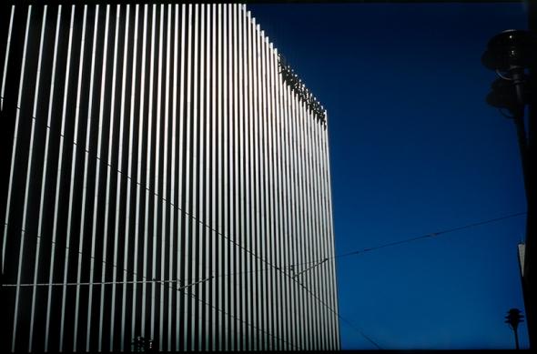Fassade Hochhaus in der Friedrichstrasse, Spreedreieck - © bildraum-f | fotografie